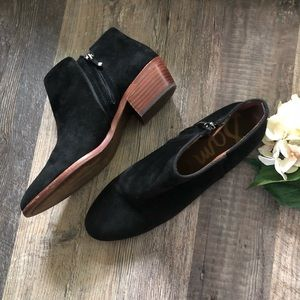Sam Edelman | Black Suede Petty Booties